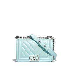 a94d66543c87 Handbags of the Spring-Summer 2018 Pre-Collection CHANEL Fashion collection  : Small BOY CHANEL Handbag, metallic lambskin, resin & silver-tone metal,  ...