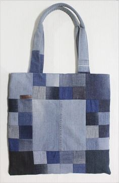 Sew a Patchwork Denim Shopping Bag from Recycled Jeans. Photo Sewing Tutorial. 1 of 2