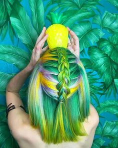 Is this summer in a picture or what? 🍍🏝 Comment below your favorite summer hair trends! 😀⠀⠀⠀⠀⠀⠀⠀⠀Hair by Pelo Multicolor, Nagel Blog, Brazilian Hair Weave, Bright Hair, Colorful Hair, Coloured Hair, Dye My Hair, Cool Hair Color, Crazy Hair Colour