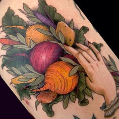 We all have our favorite foods but are you dedicated enough to put your love in INK? Check out these mouthwatering food tattoos. Essen Tattoos, Neue Tattoos, Food Tattoos, Body Art Tattoos, Tatoos, Wicked Tattoos, Small Tattoos, Sailor Jerry, Design Tattoo