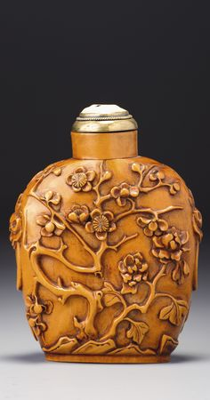 A SOFTWOOD 'PEONY AND PRUNUS' SNUFF BOTTLE<br>LATE QING DYNASTY / REPUBLICAN PERIOD | lot | Sotheby's