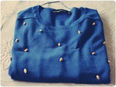 Suéter de caveirinhas: http://www.melinasouza.com/2012/05/10/d-i-y-sueter-de-caveirinha/    #diy #melinasouza #sueter #jumper