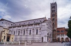 http://it.123rf.com/photo_54315621_cathedral-of-lucca-tuscany-italy.html
