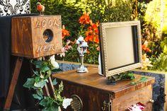 http://www.vintageboothscotland.co.uk/uploads/2/5/9/9/25995191/_8130289_orig.jpg