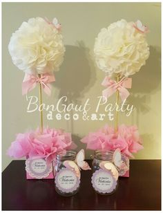 Topiaries/Topiarios and candy jars Baptism Baby Shower Customized decorations by BonGoût Party deco&art @bongoutparty. Flowers and butterflies.