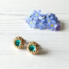 Green Earrings, Stud Earrings, Blue Zircon, Beautiful Gifts, Teal Green, Craft House, Home Crafts, Seed Beads, Turquoise
