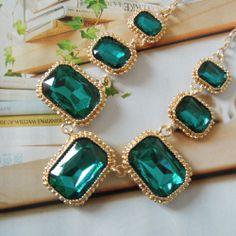 Amazing Emerald Green Jewelry Designs for 2015 Accessories & Jewellery Emerald Earrings, Drop Earrings, Simple Diamond Ring, Jade Jewelry, Emerald Green, Emerald City, Green Necklace, Antique Jewelry, Jewelery