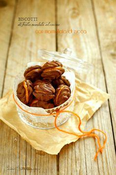 Biscotti di frolla montata al cacao e marmellata di zucca