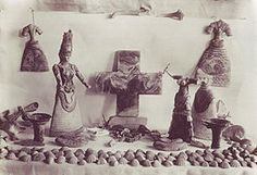 Minoan snake goddess figurines - Objects from the temple Repositories (Knossos) after its discovery in 1903