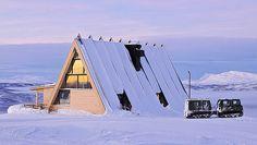 murman arkitekter completes mountain restaurant in sweden A Frame Cabin, A Frame House, Amazing Architecture, Architecture Design, Golden Gate Bridge, Sweden, Street Art, House Design, Landscape