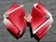 Ribbon Hair Clips, Hair Ribbons, Ribbon Art, Diy Hair Bows, Fabric Flower Tutorial, Fabric Flowers, Princess Hair Bows, Bow Template, Making Hair Bows