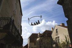 Flavigny-sur-Ozerain | Les plus beaux villages de France - Site officiel Sports Baby, Beaux Villages, Vignettes, French Country, Tourism, Nativity, Travel, Ideas, Noel