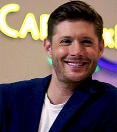 """Jensen Jensen at the Autograph panel #SDCC 2014 """"Comic Con 2014"""". I can't help it!! I PIN IT AGAIN LOL"""
