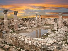 Temple of Hercules, Amman, Jordan. 2nd century AD. Spectacular at sunset when the call to prayer echoes all around you. astrogeographic position: located in the constellation of the spiritual air sign Aquarius the sign of inspiration and self-finding and mystic, spiritual water sign Pisces the major indicator for temples. Field level 4.