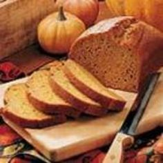 Pumpkin Spice Bread.. looks really yummy!