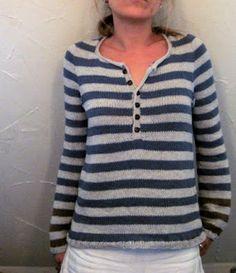 Jersey con botones en cuello delantero... A rayas.