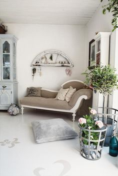 .Love the Chaise!