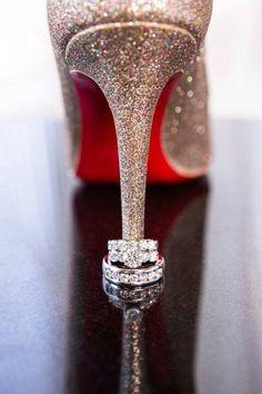 Chaussure mariee et alliances