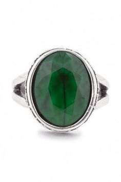 Etched Round Stone Ring in Emerald Green
