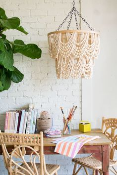 Swooning over this boho DIY bead chandelier.
