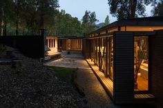 House in Lake Villarrica  / Planmaestro
