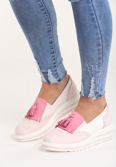 27 Comfortable Shoes To Update You Wardrobe Now shoes womenshoes footwear shoestrends Source by juliedwalters shoes everyday Pretty Shoes, Cute Shoes, Me Too Shoes, Tennis Shoes Outfit, Casual Shoes, Shoe Boots, Shoes Heels, Footwear Shoes, High Heels