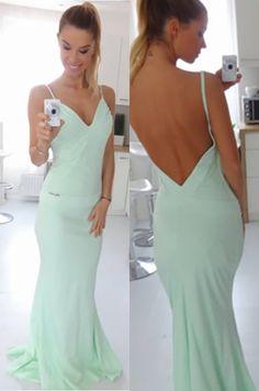 Krásne spoločenské šaty vhodné na akúkoľvek príležitosť.92% polyamid, 8% elastán