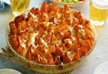 If you& not bringing this to the game next weekend, don& bother coming. Cheesy Potato Wedges, Potato Wedges Recipe, Indian Food Recipes, Vegetarian Recipes, Cooking Recipes, Ethnic Recipes, Cheese Recipes, Appetizer Recipes, Comida Keto
