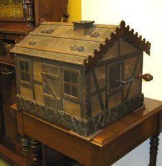 Monopol Chalet Antique Disc Music Box, c. Antique Music Box, Vintage Music, Quotes Girlfriend, Old Music, Record Players, Phonograph, Vintage Tools, Casket, Box Art