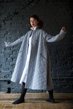 It's a swing thing. (Kingdom Of Style) Outfits With Converse, Casual Outfits, Swing Coats, Couture, Easy Wear, Linen Dresses, Asian Style, Passion For Fashion, What To Wear