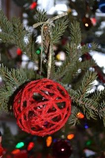 The Active Toddler: Homemade Yarn Ornament - Toddler Craft Fun!