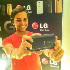 Me han pillado haciéndome un selfie con mi nuevo #LGG3 de @Lg_es #elarmariodearnelas #PatriciaNicolas #lgandpatricianicolas @patriciaNicolas