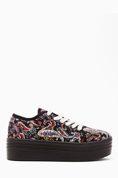 Paisley Platform Sneaker for a summerish Sunday afternoon :) Sneakers Fashion, Fashion Shoes, Sneakers Nike, Crazy Shoes, Me Too Shoes, Sock Shoes, Shoe Boots, Nike Headbands, Nike Windbreaker