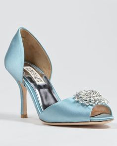 ad60533c353 Check Out The Kleinfeld Shoe Boutique
