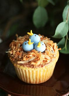 Bird's Nest Easter Cupcakes #CupcakeCuteness These are so sweet! little tiny #sugarpaste birdies :-)