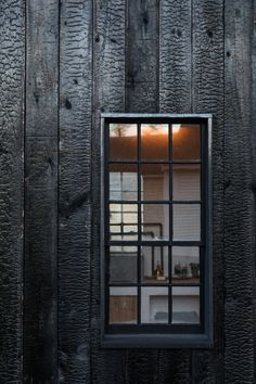 The Soot House: Conjuring the Ghosts of Old New England on Spruce Head in Maine Annie Quigley October A detail of the charred-wood siding. Wood Facade, Wood Siding, Exterior Siding, House Cladding, Wood Cladding, Black House Exterior, Charred Wood, Turbulence Deco, Modern Barn