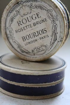 Rouge Rosette Brune Bourjois - my long time favourite blusher, when I was young I loved the little paper pot it came in - very french! Vintage Tins, French Vintage, Vintage Antiques, Retro Vintage, Vintage Paris, French Blue, Vintage Decor, 1950s Decor, Vintage Canisters
