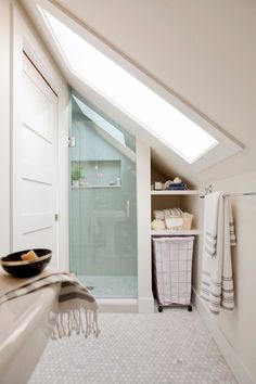 If you are looking for Small Attic Bathroom Design Ideas, You come to the right place. Below are the Small Attic Bathroom Design Ideas. Small Attic Bathroom, Small Bathroom Tiles, Loft Bathroom, Tiny Bathrooms, Upstairs Bathrooms, Bathroom Ideas, Bathroom Designs, Master Bathroom, Simple Bathroom