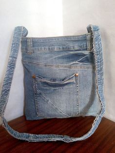 Jean Pocket Purse, Denim Purse, Denim Handbags, Denim Crafts, Recycled Denim, Women Accessories, Creations, Duffel Bag, Crossbody Bag