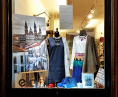 Concurso Escaparate #SantiagodeCompostela #fashion #newdesigners #MónicaCordera #LadróndeArte #MadeinGalicia