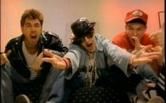 YOU GOTTA FIGHT FOR YOUR RIGHT TO PARTY VIDEO BY BEASTIE BOYS