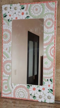 Mosaic Crafts, Mosaic Art, Mosaic Madness, Mosaic Mirrors, Mosaic Ideas, Tiffany, Picture Frames, Decoupage, Diy And Crafts