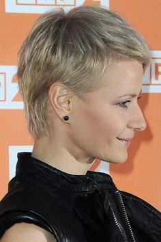 M. Kożuchowska Short Blonde, Blonde Hair, Short Cuts, Pixie, Short Hair Styles, Hair Cuts, Hair Beauty, Classy, Actresses