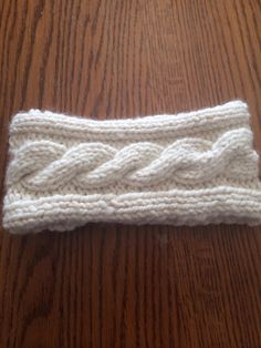 Knitted Headband with single cable