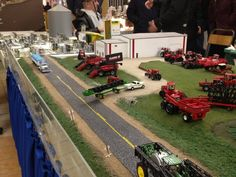 Here are some pictures of the Penner display from this years Winkler Toy. Penners and Larry Buhler are the main reasons I go. Diorama, Toy Display, Display Ideas, Farm Layout, Chevy Diesel Trucks, Toy Trucks, Fire Trucks, Farm Toys, Mini Farm