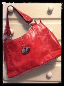 Reciclados Elle Blogs, Shoulder Bag, Bags, Fashion, Handbags, Moda, Fashion Styles, Shoulder Bags, Fashion Illustrations