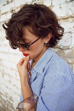 Este blog no es como los demás. Es una guía de belleza donde la actitud y el estilo de vida tienen tanta importancia como la cosmética.