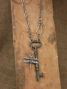 Výsledok vyhľadávania obrázkov pre dopyt key pendant necklace