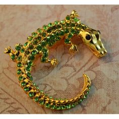 Crocodile Brooch - Virtual Global Market