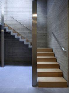Kavouri Residences / Kokkinou-Kourkoulas Architects #concrete